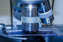 Врач оценил исследования немецких коллег: коронавирус не живет на поверхностях